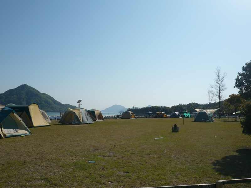 キャンプサイト風景