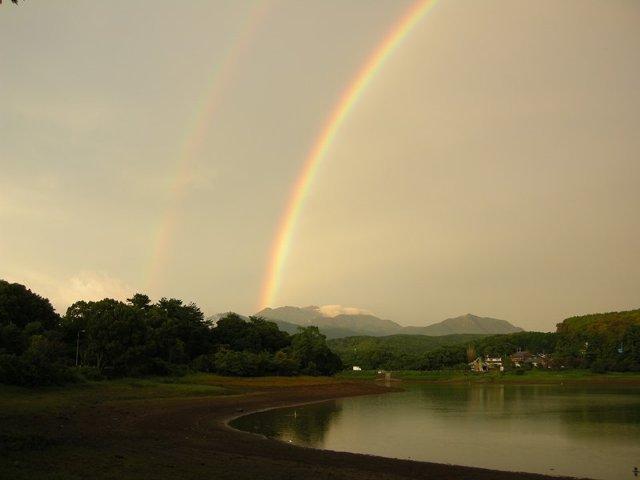 [H29/4/1~<当日20:00迄予約OK>♪ただ寝るだけでいいよ~♪♪素泊り宿泊プラン] 諏訪の池に虹。皆様の願い事がかないますように・・・