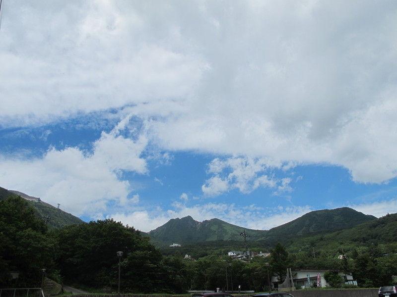本日の山と空