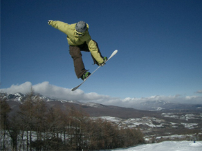 休暇村付近のスキー場と、周辺の雪情報