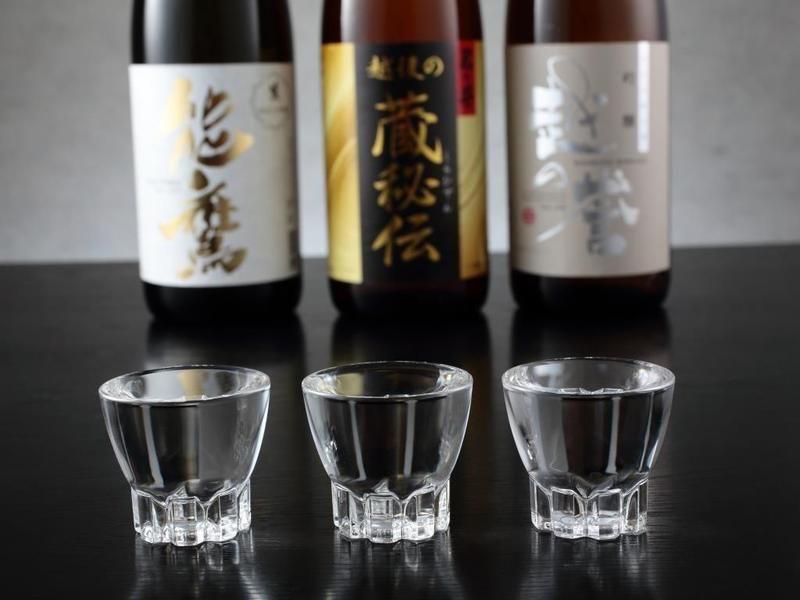 新潟来たら日本酒飲も!各銘柄好評販売中