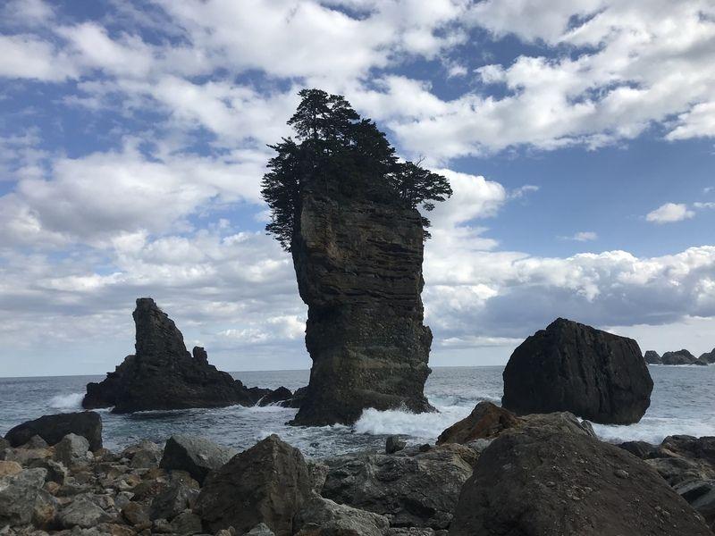 まさに壮観!三王岩