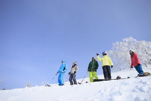 [本当に手ぶらでOK!【5連泊】プレミアムビュッフェ&手ぶらでスキースノボパック] 朝から晩までスキー三昧!!