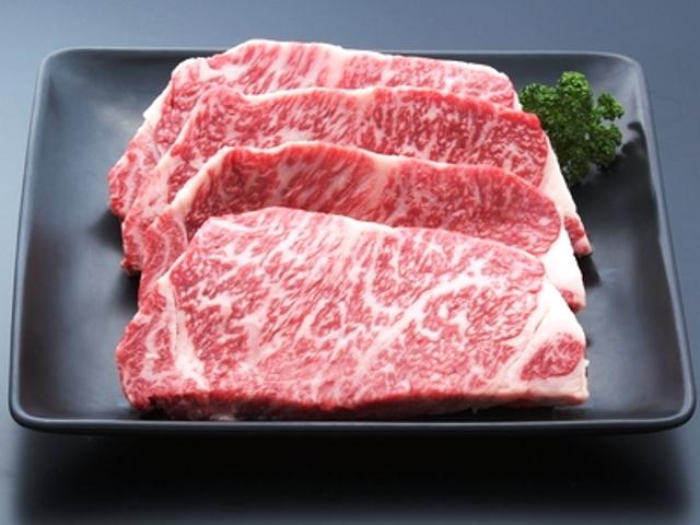 [[GoTo トラベルキャンペーン割引対象]秋のごっつぉ のどぐろ会席 日本三大和牛近江牛サーロインステーキQパックお土産付き] 日本三大和牛 近江牛サーロインステーキ<br />写真は4枚ですが、1セットは200g2枚になります。