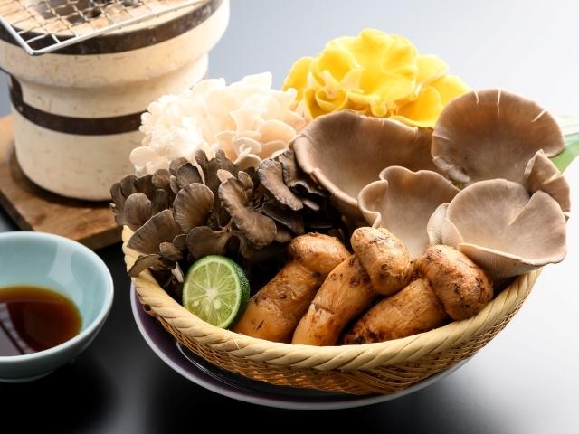 [【9~11月限定】松茸と嬬恋産きのこの七輪焼き付き『つまごいプレミアムビュッフェ』] 【2021年・秋】松茸と嬬恋産きのこ七輪焼き