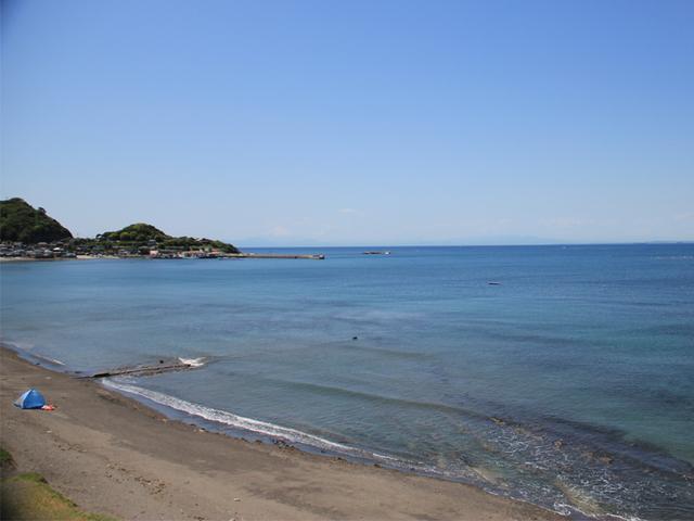 [<ビジネス利用/客室Wi-Fi完備 ♪>1泊素泊まりプラン] 目の前は海!晴れた日は富士山が見える事も♪