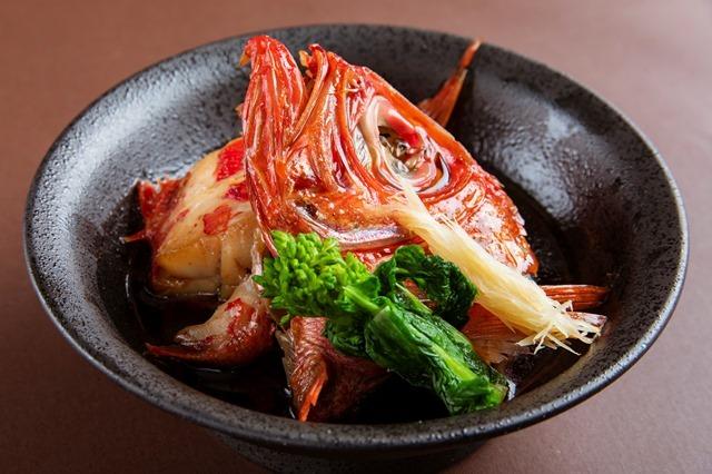 [【GoTo トラベルキャンペーン割引対象】こだわりの食材~かずさ和牛しゃぶしゃぶと金目鯛の煮付けを楽しむ🎵冬の贅沢ビュッフェ] 絶妙に味付けされた金目鯛の煮付け
