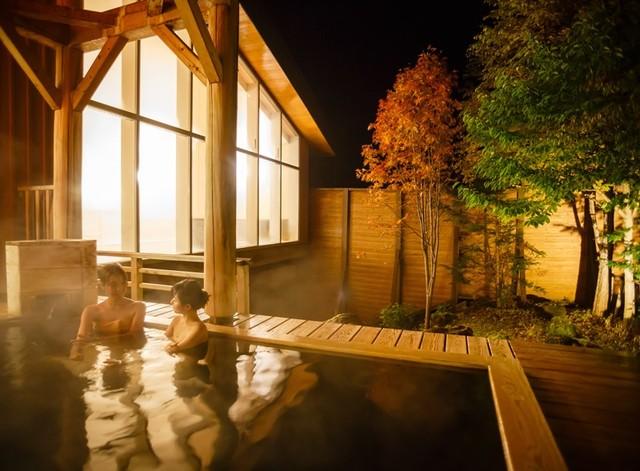 [【秋の終りの大バーゲン!】 特割いい風呂連泊プラン] 自家源泉の温泉露天風呂