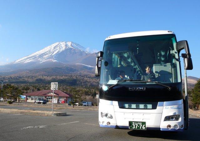 [【富士山をぐるっと一周人気のバスツアー!】 富士五湖・忍野八海めぐり] バスに乗って富士山麓をめぐります!