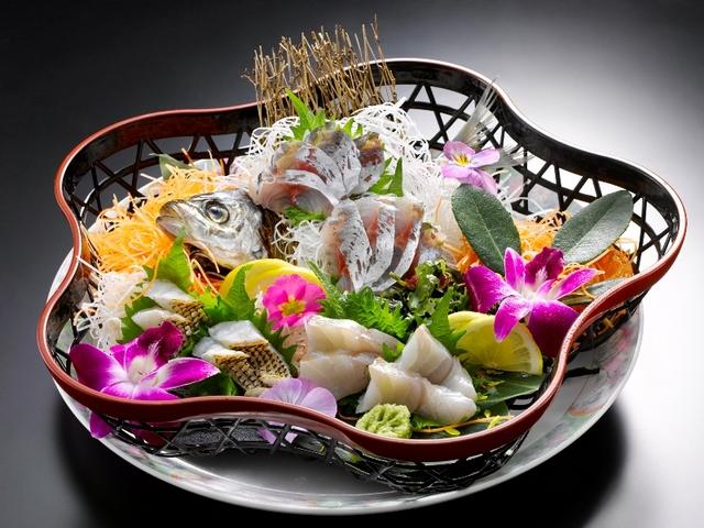 [【ちょっぴり贅沢♪】季節のお刺身盛り付き旬菜バイキングプラン] お刺身盛り合わせ 2人前