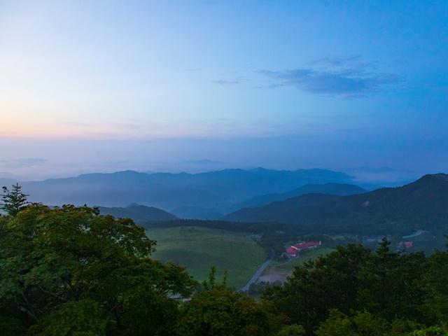 [【愛知県民限定】夏は涼しい高原でリフレッシュサポートプラン] 静かな高原の朝と鮮やかな朝日