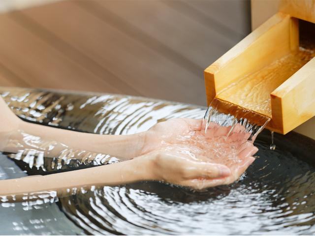 [【能登の連泊プラン2泊~6泊】金沢・能登めぐり&温泉でのんびりリフレッシュ] 露天風呂(つぼ湯)☆自慢の源泉かけ流しの温泉