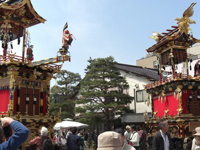 [【2泊4食付バスツアー】 日本三大美祭を見に行こう 春の高山祭り] 高山祭り