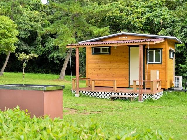 [【キャンプ場】 何も持たずに手ぶらでキャンプ2018(キャンプ初心者に最適!キャビンサイト)] 2017年7月新登場のキャビンサイトならテント泊よりプライベート空間が仕切られていて快適♪