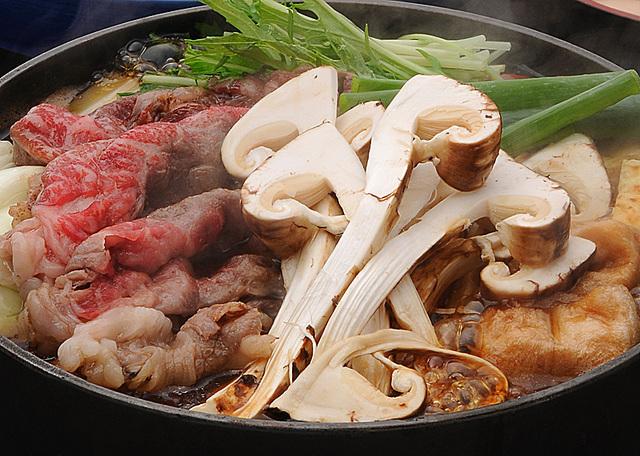 [【東館】近江牛と松茸のすきやき食べ放題!] 近江牛と松茸を贅沢に!