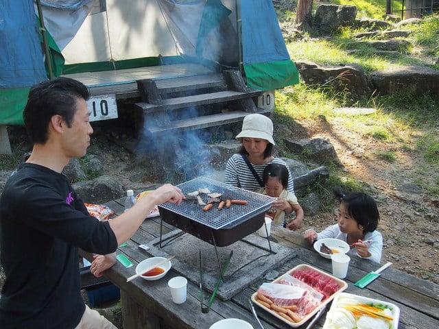 [温泉入浴付! 手ぶらでキャンプ IN近江八幡2019 (BBQレギュラー)] 家族でわいわいバーベキュー
