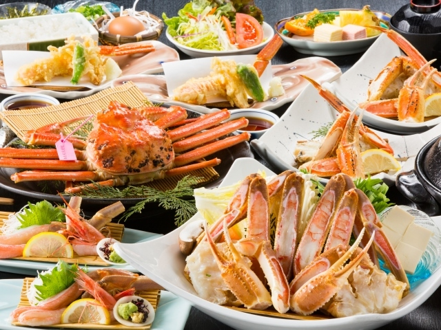 [【バスツアー1泊3食】竹野海岸の人気NO1かにコース「タグ付きかにづくしコース」を食す、冬の但馬周遊ツアー] タグ付きかにづくしコース
