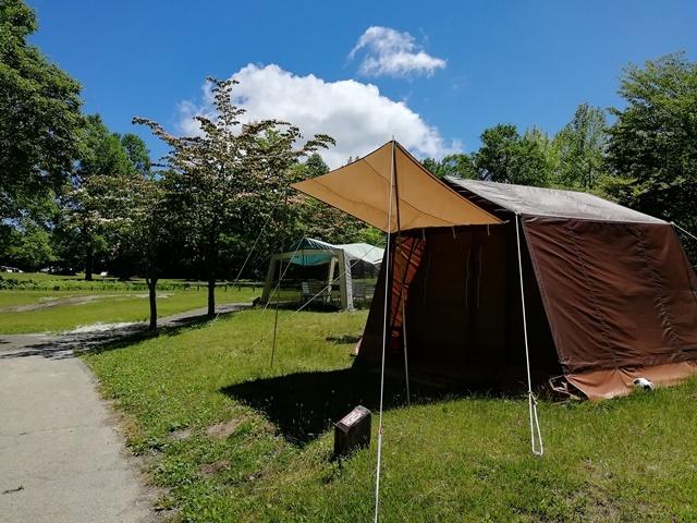 [焚き火を囲んで語ろう手ぶらでキャンプ 【休暇村オリジナルロッジ型テント】ジンギスカンプラン] 休暇村オリジナルロッジ型テント(車は完成した近くの専用駐車場をご利用ください。)