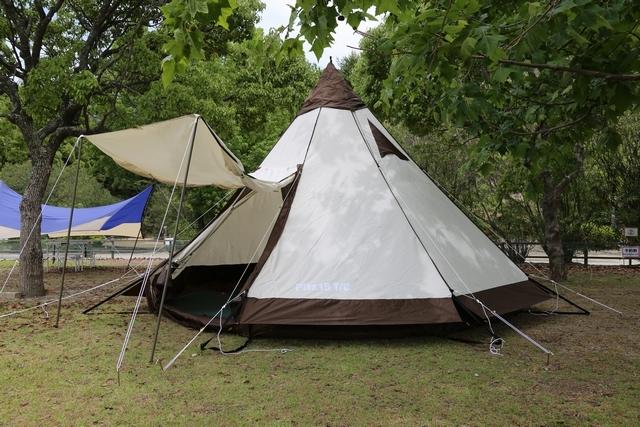 [【ウサギ島】設営済み広々テントで手ぶらキャンプパック(2019年10月~)~選べる夕食ビュッフェ~] 広々使える設営済みテント♪