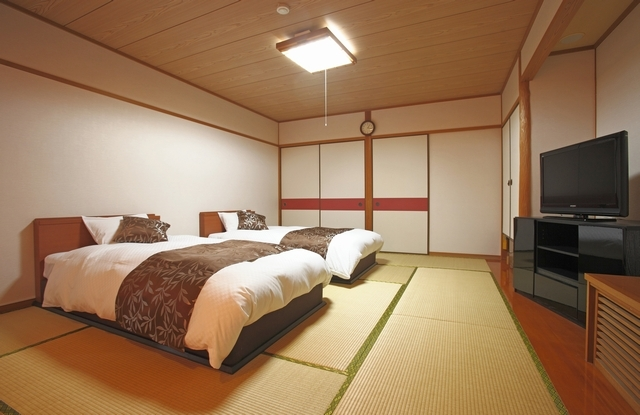 [「ウサギ島」でオールインクルーシブ連泊プラン(3泊)] 和室ツインを3名様以上でご予約された場合、2名様はベッド、その他の方はお布団となります