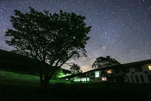 [泊数が伸びればお得なる滞在プラン(6泊12食付)] 満天の夜空を眺めながら過ごす…ロングステイ♪