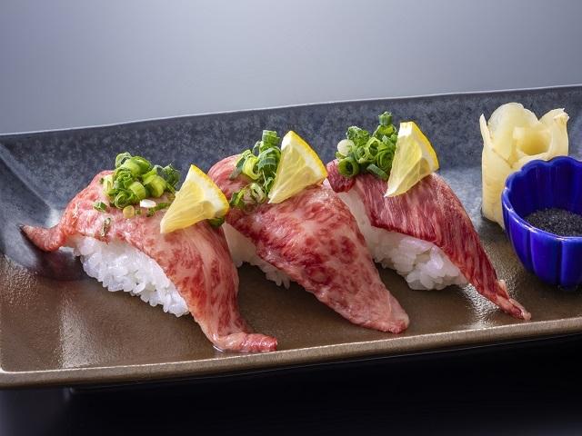 [【ご当地グルメ】比婆牛炙り寿司付きビュッフェ※7/17まで夕:おまかせ会席・朝:和食膳] 比婆牛は無駄な脂肪が少ないので、脂の苦手な方や健康志向の方にはおすすめです。