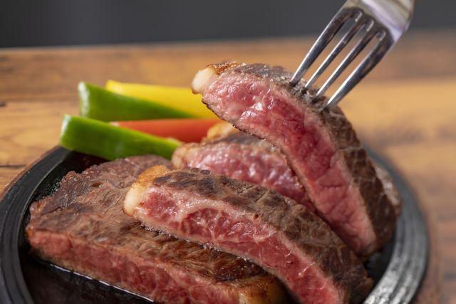 [泊まれば泊まるほどお得!ゆったりのんびり連泊プラン(2泊)] 広島牛のサーロインステーキ